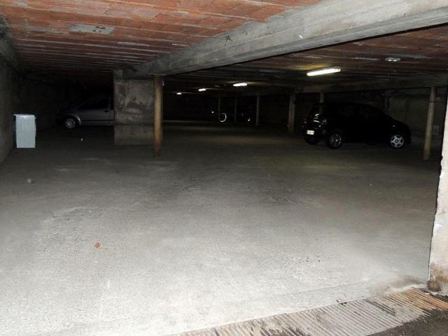Parking couvert et sécurisé