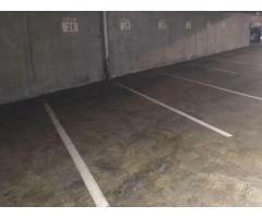 63 Parkings et 2 locaux