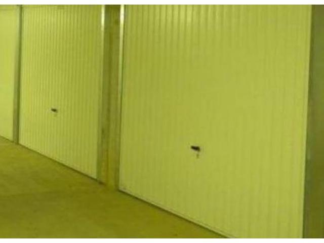 Garage Box fermé à louer
